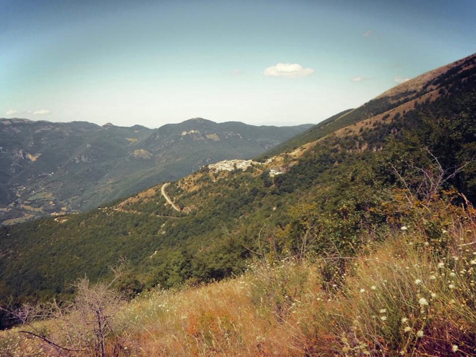 Le case dell'Arco, Monte San Vito, Scheggino, veduta