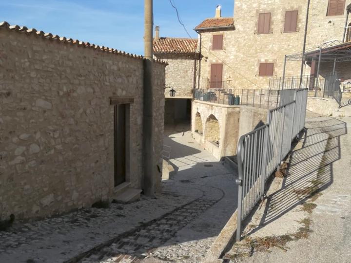 Le case dell'Arco, Monte San Vito, Scheggino, Umbria